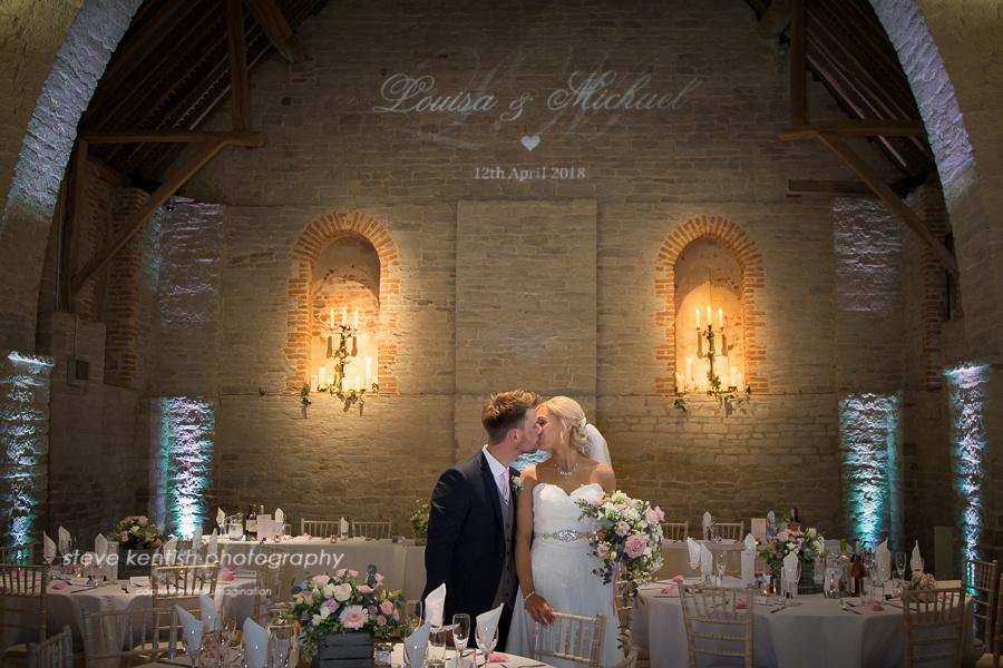 wedding photos tithe barn hampshire