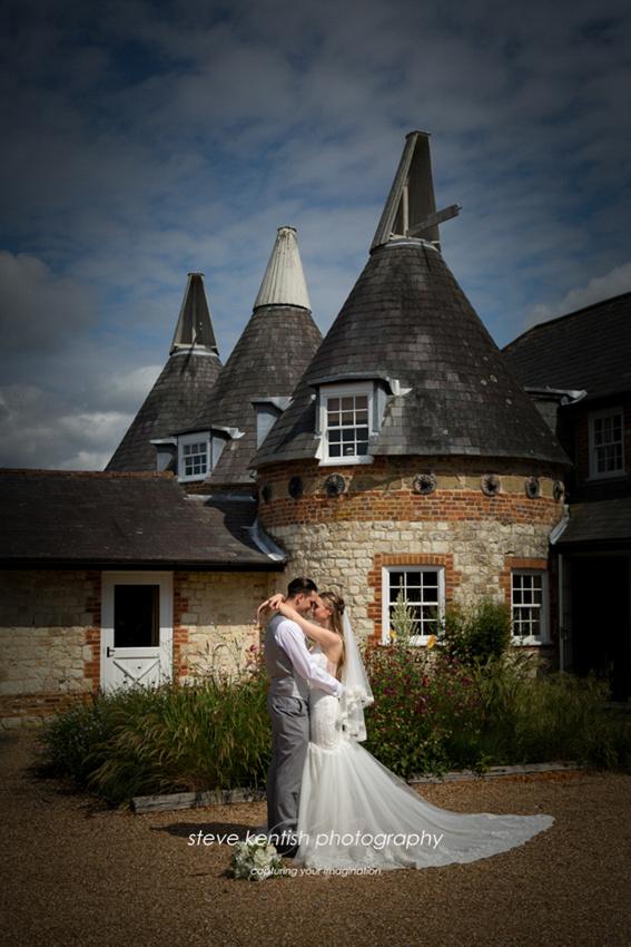Bury Court Barn Wedding Photograph 010