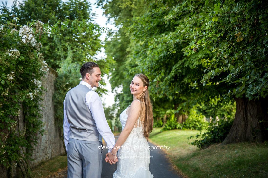 Bury Court Barn Wedding Photograph 013