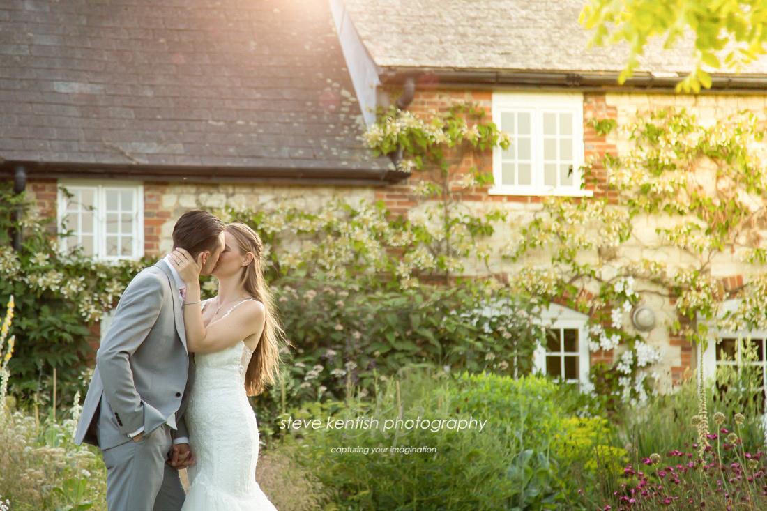 Bury Court Barn Wedding Photograph 016